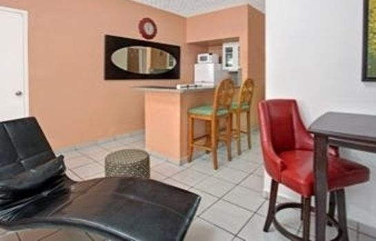 Room KNIGHTS INN HALLANDALE