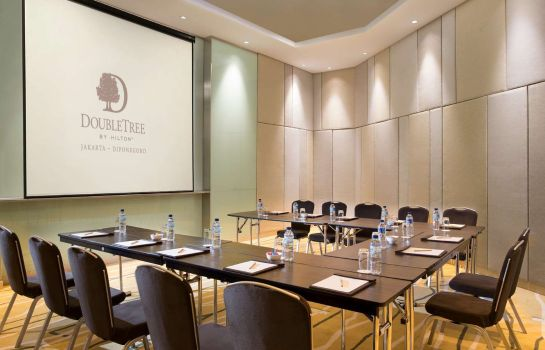 Conference room DoubleTree by Hilton Jakarta - Diponegoro