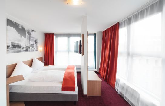 Triple room McDreams Leipzig City
