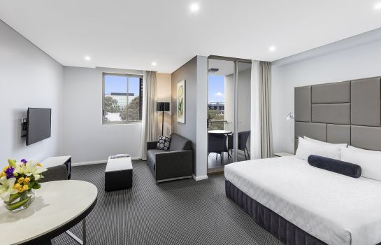 Zimmer Meriton Suites North Ryde