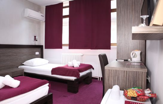Double room (standard) Side One Design Hotel