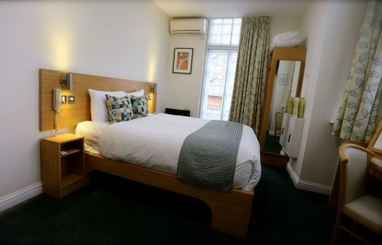 Chambre double (confort) Connaught House Hotel