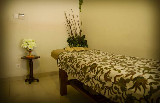 Massage room PrimeBiz Hotel Kuta