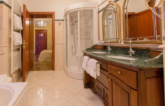 Bagno in camera Mariano IV Palace Hotel