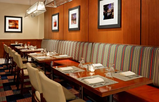 Restaurant Four Points by Sheraton Long Island City/Queensboro Bridge