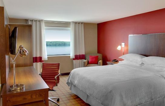 Zimmer Four Points by Sheraton Niagara Falls