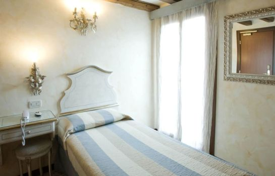 Single room (standard) Mercurio