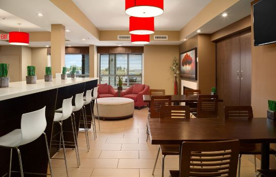 Hol hotelowy Microtel Inn & Suites by Wyndham Blackfalds Red Deer North