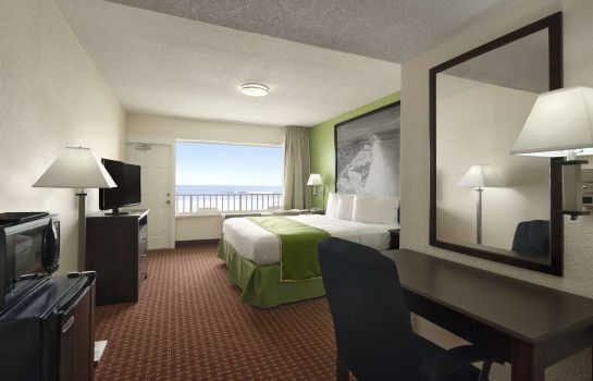 Room Super 8 Daytona Beach Oceanfront