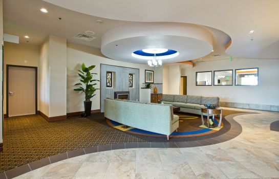 Lobby Holiday Inn Express & Suites DENVER EAST-PEORIA STREET
