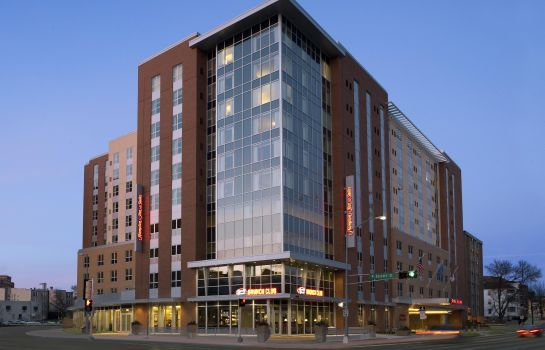 Außenansicht Hampton Inn - Suites Madison - Downtown