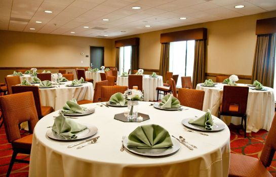 Restaurant Hampton Inn - Suites Salinas