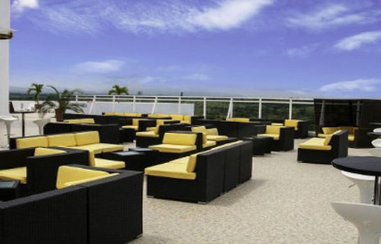 Bar hotelowy Wyndham Playa Corona