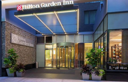 Exterior view Hilton Garden Inn Central Park South