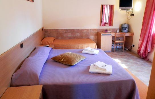 Dreibettzimmer Bed and Breakfast Luana Inn Airport