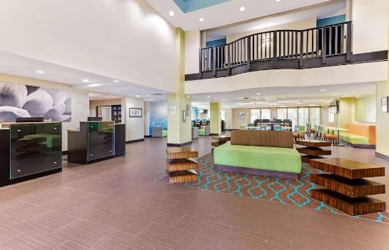 Hol hotelowy La Quinta Inn & Suites by Wyndham Tampa North I-75