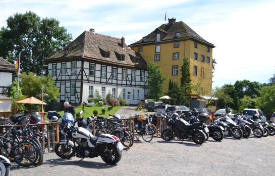 Außenansicht Tonenburg Hotel- Restaurant & Eventlocation