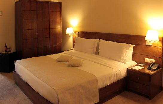 Double room (superior) Cosmopolitan Hotel Beirut