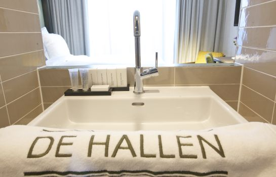Bathroom Hotel De Hallen