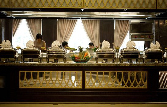 Breakfast buffet Eldora Hotel