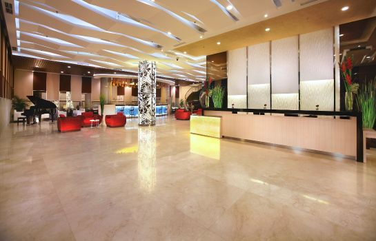 Hotelhalle Atria Hotel & Conference Malang