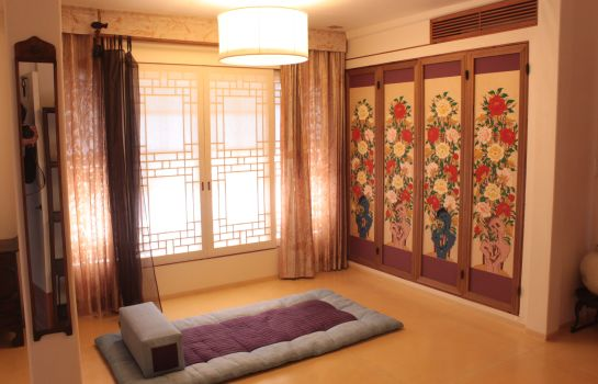 Suite Chiwoonjung Hanok Boutique Hotel