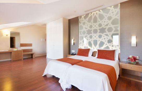 Double room (standard) Granada Palace Business & Spa