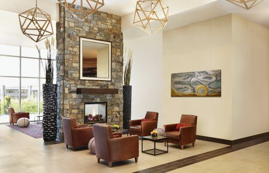 Hall Four Points by Sheraton Kelowna Airport
