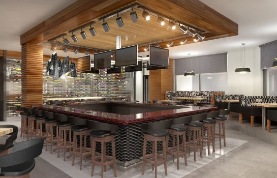 Restaurante Four Points by Sheraton Kelowna Airport