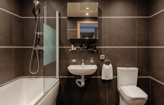 Bathroom Vertical Serviced Apartments