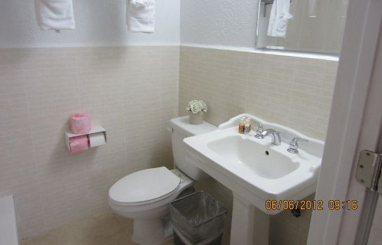 Bagno in camera Shalimar Motel