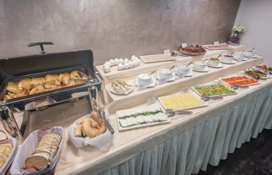 Breakfast buffet Sultan Modern Hotel