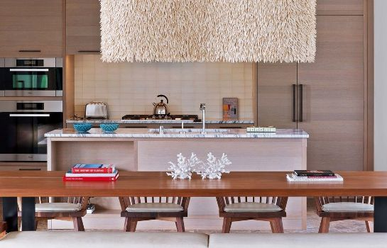 Kitchen in room Andaz Maui at Wailea Resort - a concept by Hyatt