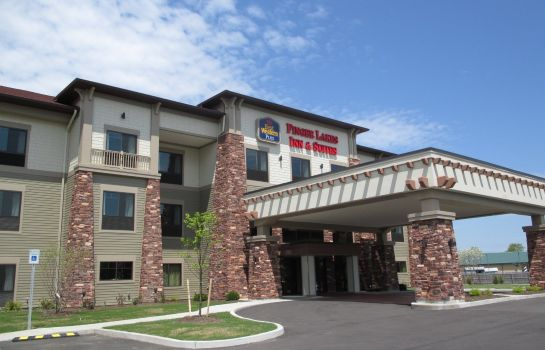 Vista exterior Best Western Plus Finger Lakes Inn & Suites
