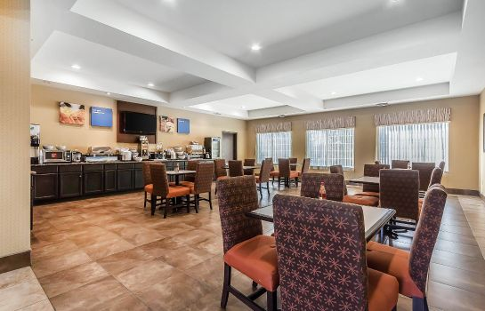 Restauracja Comfort Inn and Suites near Bethel Colle