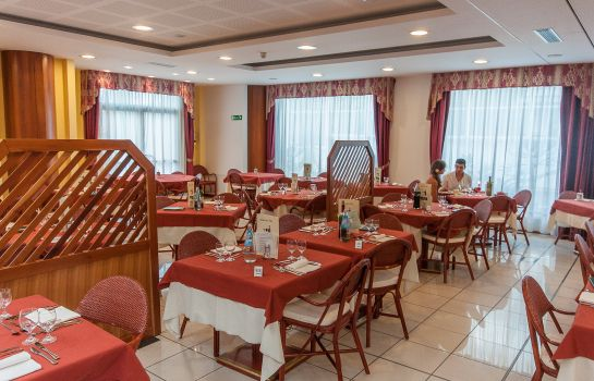 Restaurant AlpHoliday Dolomiti Wellness & Fun Hotel