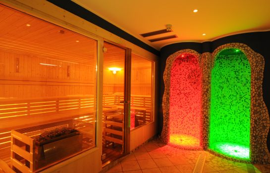 Sauna AlpHoliday Dolomiti Wellness & Fun Hotel
