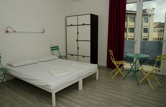 Standardzimmer Meet Gardalake Hostel