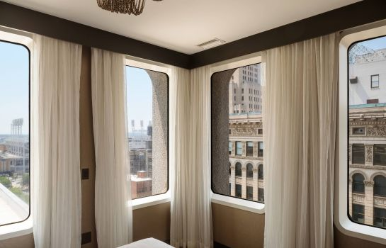 Suite Metropolitan at The 9 Autograph Collection