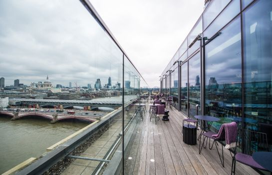 Hotel bar SEA CONTAINERS LONDON
