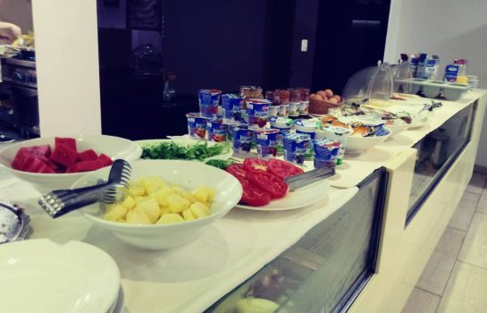 Breakfast buffet Boutique Bristol Aparthotel