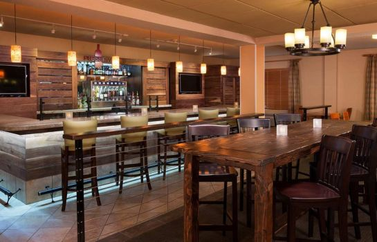 Hotel bar DoubleTree by Hilton Vancouver Washington