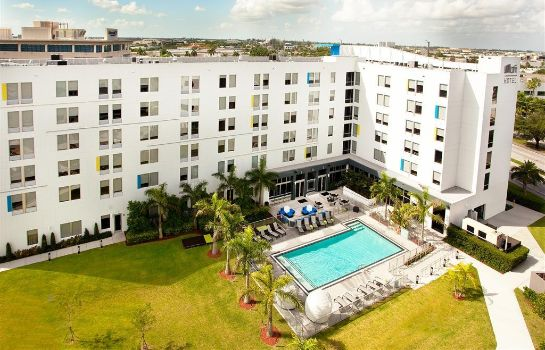 Exterior view Aloft Miami Doral