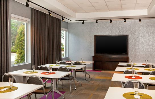 Conference room Aloft Miami Doral