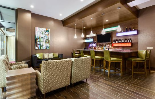 Hotel bar Hampton Inn and Suites Clayton-St Louis-Galleria MO