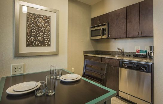 Zimmer Homewood Suites by Hilton-Charlotte Bal