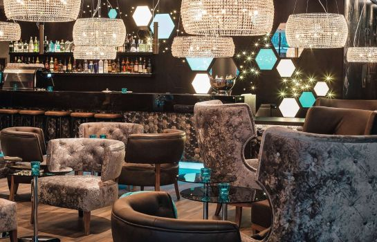Bar del hotel Motel One London Tower Hill
