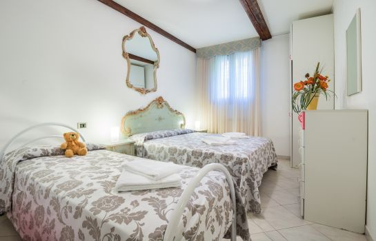 Dreibettzimmer Ai Tre Ponti B&B only rooms with shared bathroom