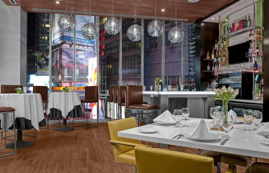 Bar de l'hôtel Hilton Garden Inn New York-Times Square Central
