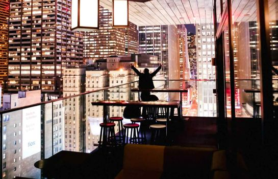 Bar de l'hôtel citizenM Times Square New York